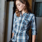 Ladies' Plaid Long Sleeve Shirt